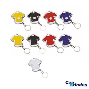 CAO Brindes - Chaveiro plástico com lanterna no formato de camiseta.