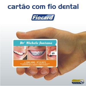 Elemento W - Cartão personalizado com fio dental.