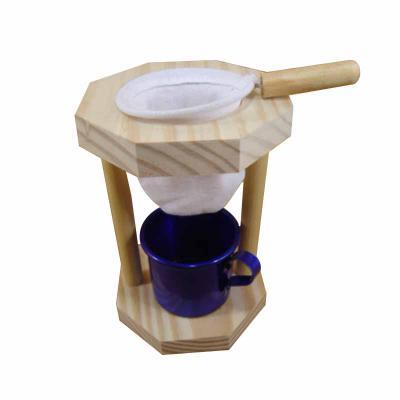 Armazém Brasileiro - Kit Café - Suporte madeira com coador de pano, 01 caneca de café em alumínio