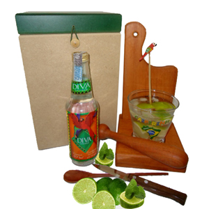 armazem-brasileiro - Kit de caipirinha personalizado, composto por com uma tábua, um suporte para tábua e copo, um socador, um copo de 350 ml, um  mexedor de bambu com pás...