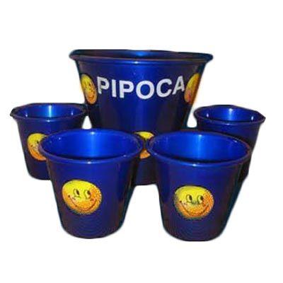 Kit personalizado para pipoca, composto por balde grande e quatro menores de alumínio.Leve prazer a seus clientes com este kit divertido e personalizado.