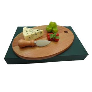Armazém Brasileiro - Kit personalizado para queijo composto por tábua oval de 26 x 15 cm e uma faca de aço inox com cabo de madeira. Elegância e charme traduzindo a sua m...