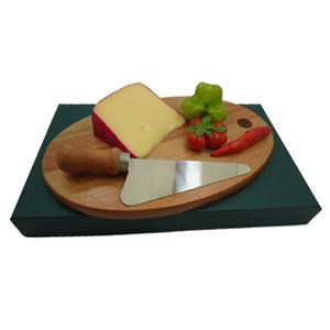 armazem-brasileiro - Kit personalizado para queijo composto por tábua oval de 26 x 15 cm e uma faca de inox com cabo de madeira. Seus clientes lembrados com um presente q...