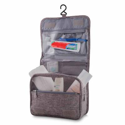 Necessaire em tecido nylon méxico com excelente espaço interno, bolso frontal e no verso. Suporte...