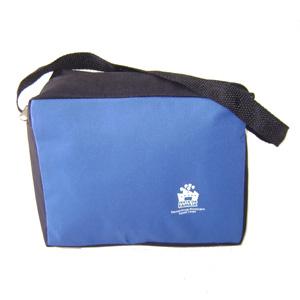 Hoshi Bolsas Promocionais - Lancheira personalizada com alça tiracolo.