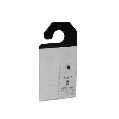 Rode - Porta Crachá medindo 130x255x020mm e confeccionado em PVC. Acabamento em solda eletrônica e impressão em silk-screen.