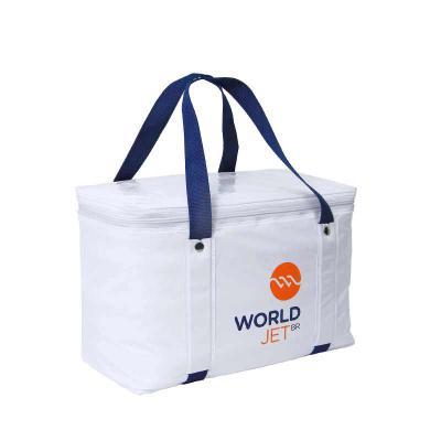 - Bolsa térmica com capacidade de 18 litros. Evidencie sua marca em um produto útil e de alta qualidade!