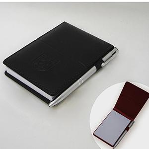 DiPort - Bloco para anotações personalizado em couro sintético, com bloco tamanho 11 x 8,5 cm, acabamento pespontado, com personalização logomarca em baixo rel...