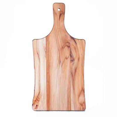 arte-perotto - Tábua personalizada para corte confeccionada em madeira nobre Teca medindo 33,0 x 17,0 x 1,2 cm. Com design clássico está tábua facilita o dia a dia...
