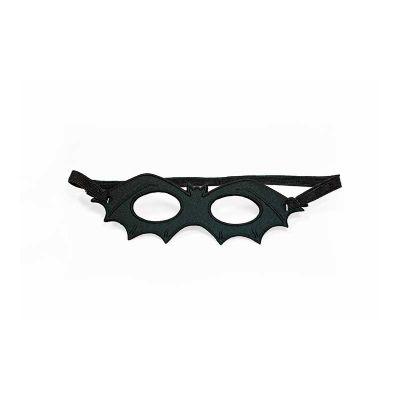 Máscara de morcego promocional termomoldada com revestimento externo e interno em poliéster. Ajuste com elástico. Dimensões: 160 x 55 x 3 mm - JOMO