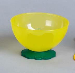 Estilo Brindes - Ta�a em pl�stico nas cores verde e amarelo.