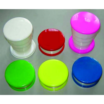 Copo sanfona em material plastico.