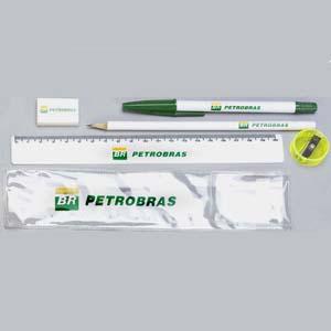 Kit escolar personalizado em envelope de PVC - Medidas 21 x 5 cm. O cliente pode montar o kit com as peças que precisar.