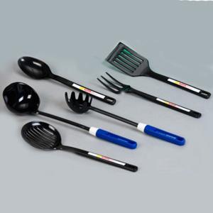 Talheres personalizados plásticos para cozinha - colher, garfo, espátula, pegador de macarrão, concha, escumadeira. Cor do produto: preto. Gravação silk ou tampografia.