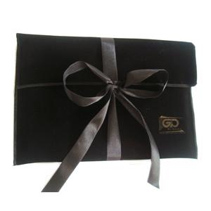 Embalagem personalizada em veludo - Modelo envelope. - Embalabrindes