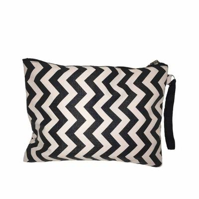 For Import - NECESSAIRE CHEVRON PRETO/BRANCO COM ALÇA