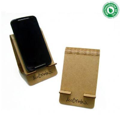 - Porta-celular smartphone criado com exclusivo design Woodflex Ecobrindes®, produzido em MDF natural 3mm, madeira ecologicamente correta, nas dimensões...