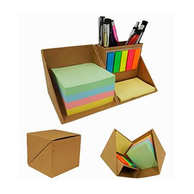 Bloco de anotações com sticky notes
