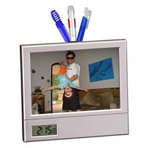 Porta retrato, porta caneta e relógio digital. Sua marca oferecendo utilidade e maior qualidade de vida para o cliente!