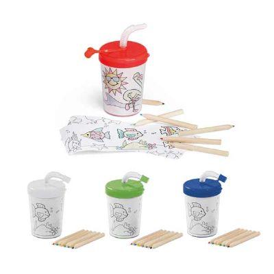 Capital Brindes & Cia - PP e PS. Com palhinha flexível. 3 desenhos para colorir (6 mini lápis de cor inclusos). Capacidade: 200 ml.