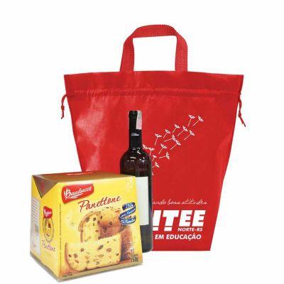 ideia-e-costura - Sacola porta panetone em TNT, brindes úteis para o dia-a-dia de seu cliente, confira aqui freeshop.com.br/brindes