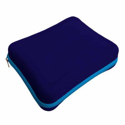 Optitex - Frasqueira termo moldada em E.V.A revestido em tecido, zíper. Opcionais: alça, parte interna com bolso superior com espelho. Medidas 190x150x50 mm