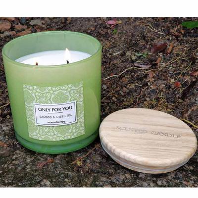 botanica-velas - Linda vela perfumada, aroma Bamboo & Green Tea, em vidro verde com tampa de madeira Medida 10x10cm