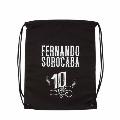 Saco mochila 35X42 cm, em nylon resinado, com 2 cordões e ilhós