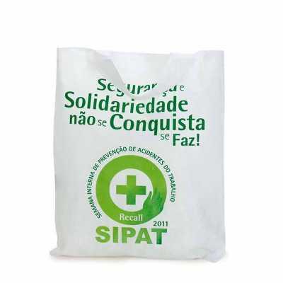 Sacola em tnt 45 gr e alças com overloque - Multipacks Brasil
