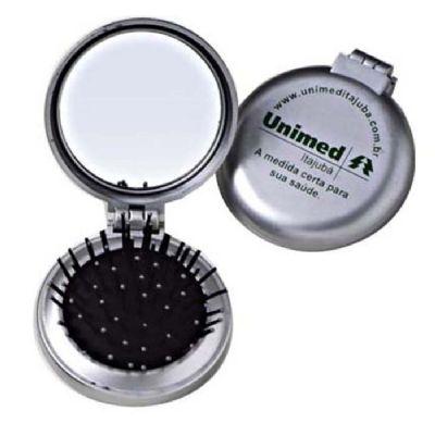 Brindes Oliveira - Escova com espelho e material de plástico.