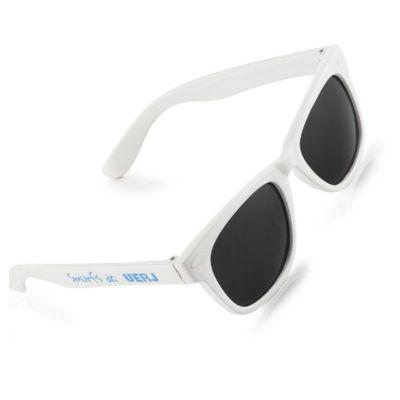 8b2ef9ed72763 Óculos de sol com proteção de 400 UV