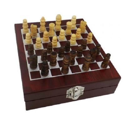 Kit vinho com xadrez.