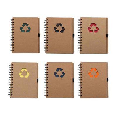 Bloco de anotação ecológico com símbolo reciclado na capa