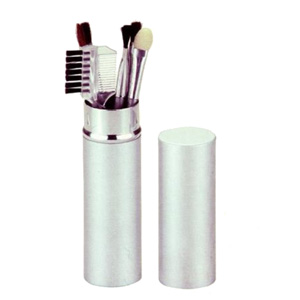 Brindes Curitiba - Kit pincel de maquiagem com estojo em alumínio e gravação a laser.