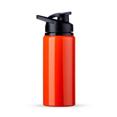 Squeeze alumínio de 600ml. Squeeze com tampa plástica rosqueável, alça e tampa protetora para o bocal.