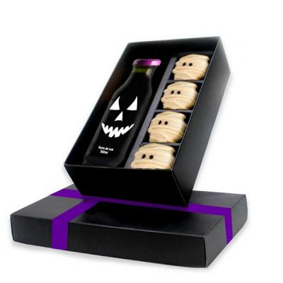 Kit Halloween é um Gift exclusivo Beetrade, composto por, suco de uva e trufas artesanais em form...