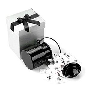 Beetrade Gift - Embalagem de presente com baleiro de alumínio preto e 100g de balas com diversos sabores.