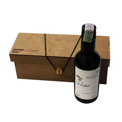 Caixa MDF personalizada e garrafa de vinho Trapiche 187ml.