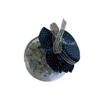 beetrade-gift - Mini kit baleiro em vidro com tampa decorada em tecido com opção de personalização em silk screen e 250 g de balas Sonhare. Personalização na frente d...