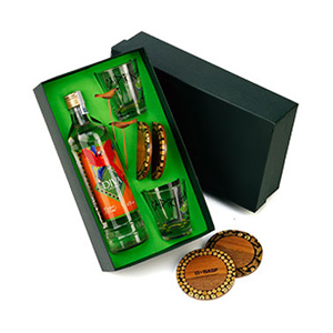 Beetrade Gift - Kit para bebida com cachaça Mineira Diva 700ml.