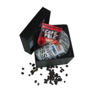 beetrade-gift - Kit de café individual contendo uma xícara de café, um sachê de café solúvel, um sachê de açúcar, um sachê de adoçante em caixa de papelão rígido forr...