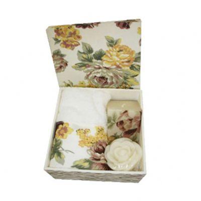 beetrade-gift - Kit lavabo contendo 1 caixa de MDF, 1 toalha de mão, 1 sabonete em formato de pétalas de rosa, 1 vela quadrada e personalização de bordado na toalha o...