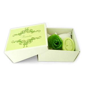 beetrade-gift - Kit Dia das Mulheres com sachê em Piquet branco, sabonete camafeu e laço de cetim.