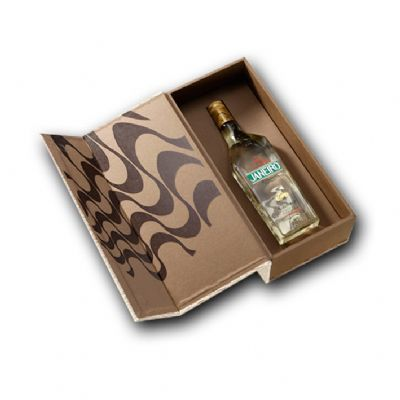 Caixa personalizada e cachaça Rio de Janeiro 700ml - Beetrade Gift