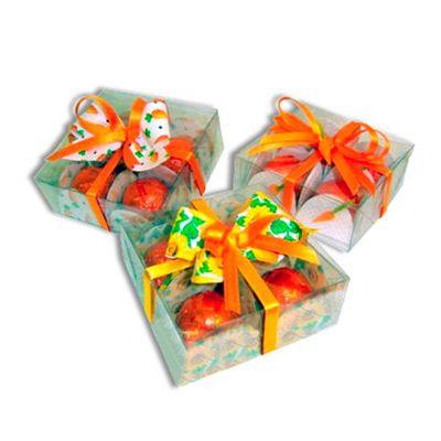 Kit Páscoa - Caixa em acrílico com quadro mini ovos trufados e decorados com fitinhas.