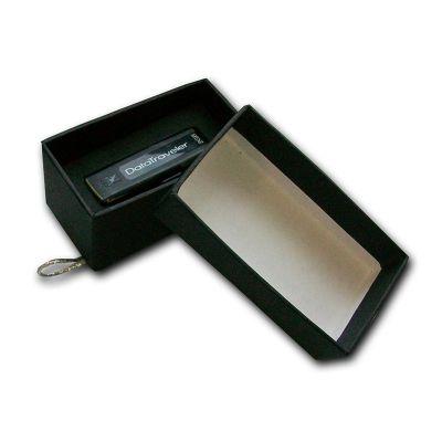beetrade-gift - Kit Publicitário - Caixa em papelão rígido com pen drive.