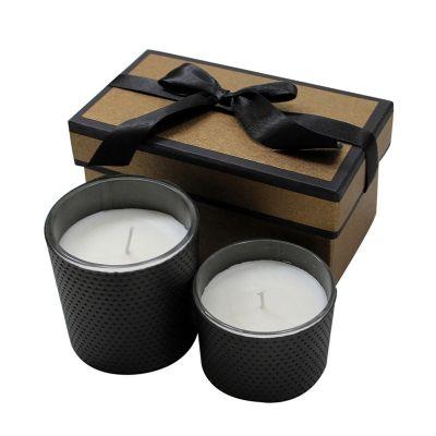 Kit de velas aromáticas contendo: 1 copo pequeno de 7,0 de diâmetro x 5,5 de altura, 1 copo grande de 7,5 de diâmetro x 8,0 de altura, 01 vela com os... - Beetrade Gift
