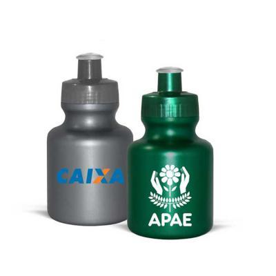 Squeeze Personalizado de PE fabricado com matéria prima resistente e flexível, vem com tampa rosqueável em PP e bico lavável em PVC cristal. Acabament... - Allury Brindes