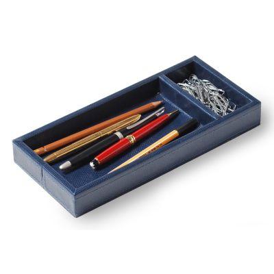 Porta-lápis e clipes em couro azul com costura.