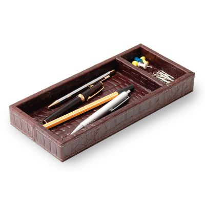 Porta-lápis e clipes em couro croco café com costura